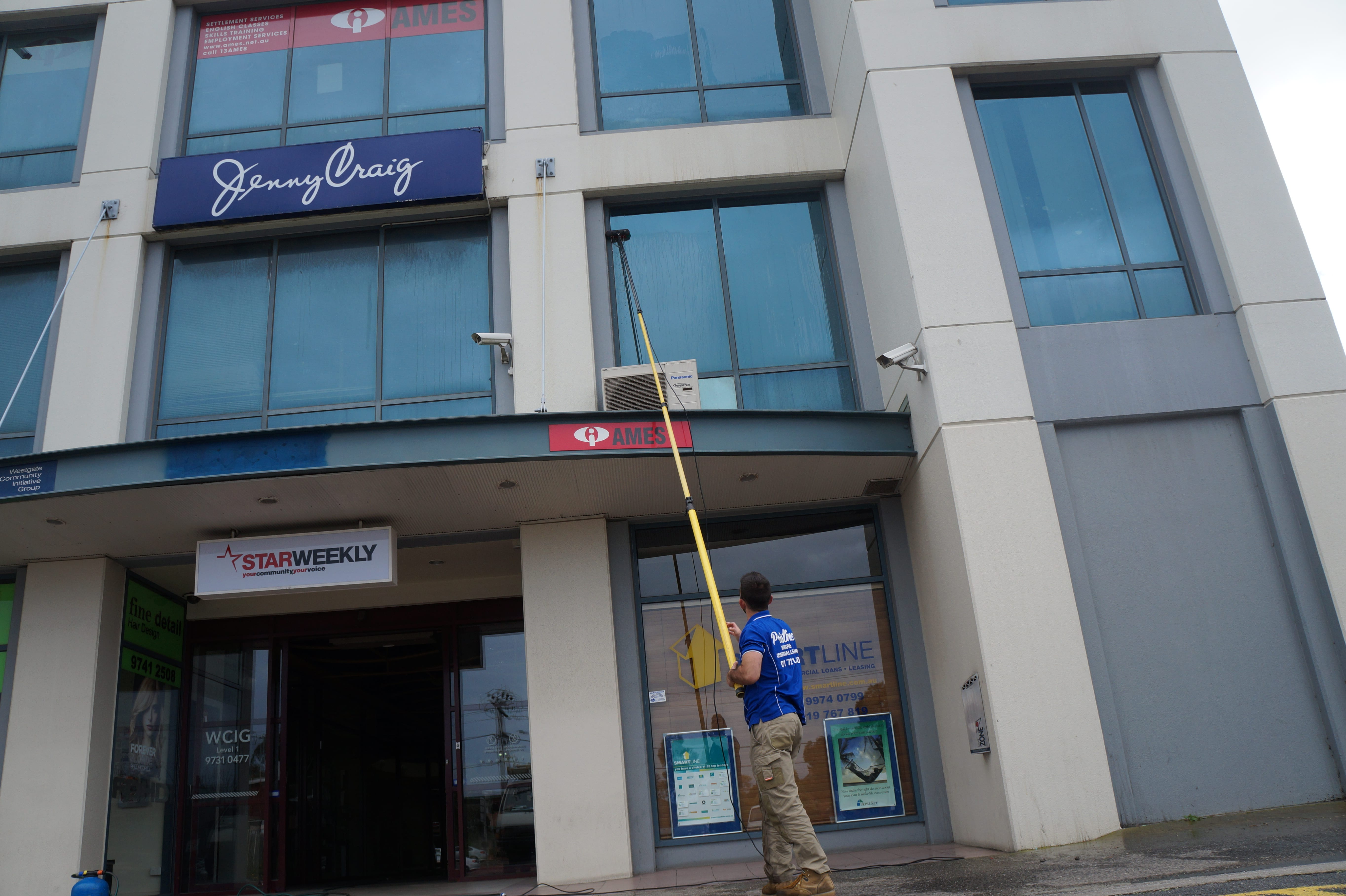 Window Cleaning in Melbourne